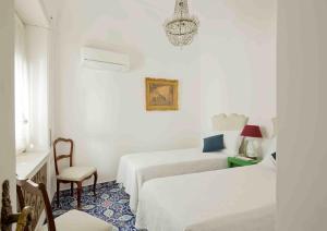 Villa Silia, Apartmanok  Capri - big - 4