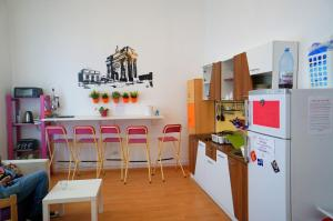 Little Bucharest bar & hostel, Hostels  Bukarest - big - 52