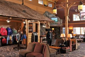 Grand Lodge Waterpark Resort, Hotel  Rothschild - big - 38