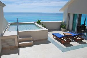 Presidential Suite with Private Pool and Sun Terrace