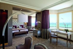 Grand Hôtel Des Thermes, Hotel  Saint Malo - big - 19
