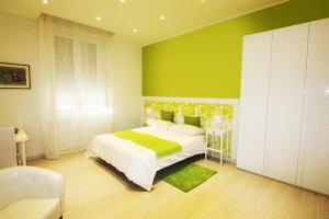 B&B DormiRe Bologna, Bed & Breakfasts  Bologna - big - 10