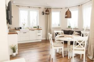 Feniks Apartamenty - Holiday Home, Apartmanok  Kołobrzeg - big - 12