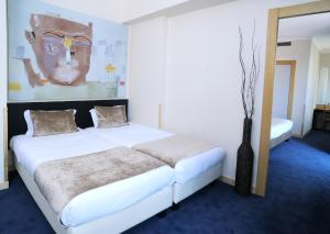 Family Suite with Terrace (2 Adults + 2 Children)