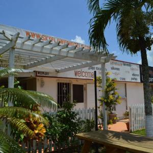Sky Flower Hotel Belmopan - El Rey Hotel