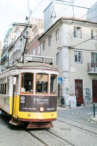 Madragoa's Nest, Apartments  Lisbon - big - 1