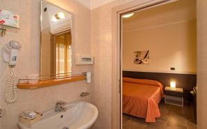 Hotel Gabrini, Szállodák  Marina di Massa - big - 21