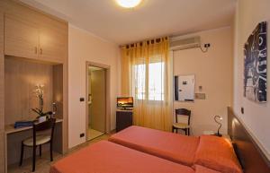 Hotel Gabrini, Szállodák  Marina di Massa - big - 8