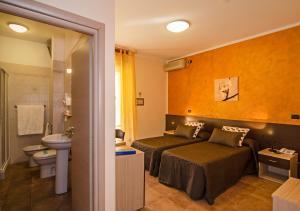 Hotel Gabrini, Szállodák  Marina di Massa - big - 18