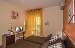 Hotel Gabrini, Hotely  Marina di Massa - big - 20