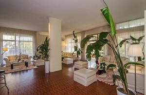 Hotel Gabrini, Hotely  Marina di Massa - big - 35