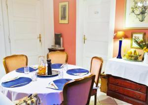 Villa Adam - Accommodation - Prague