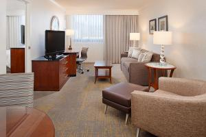 Los Angeles Marriott Burbank Airport, Hotel  Burbank - big - 24