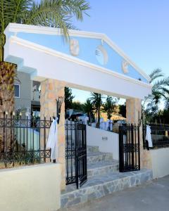 Farkia Exclusive Studios, Apartments  Faliraki - big - 9
