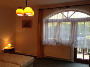 BA-S-HA Villa Panzió, Bed & Breakfast  Hévíz - big - 34