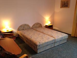 BA-S-HA Villa Panzió, Bed & Breakfast  Hévíz - big - 39