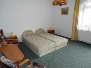 BA-S-HA Villa Panzió, Bed & Breakfast  Hévíz - big - 11