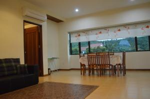 Mawat Villa, Дома для отпуска  Куах - big - 14
