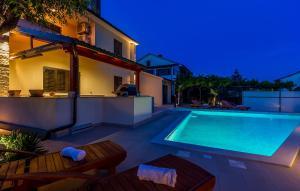Holiday Home Villa Pula, Case vacanze  Pola - big - 12