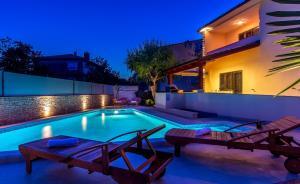 Holiday Home Villa Pula, Case vacanze  Pola - big - 9
