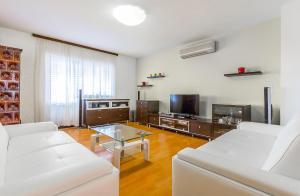 Holiday Home Villa Pula, Case vacanze  Pola - big - 7