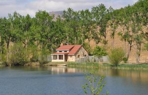 Lake Naverone Holiday Cottages, Rezorty  Drakensberg Garden - big - 34