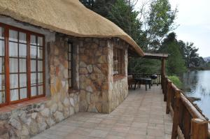 Lake Naverone Holiday Cottages, Rezorty  Drakensberg Garden - big - 17