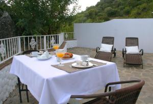 Casas Rurales Los Algarrobales, Resorts  El Gastor - big - 7