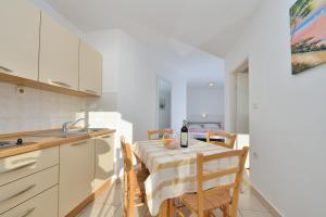 Villa Jurac, Apartmány  Povljana - big - 25