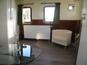 Houseboat Ms Luctor, Boote  Amsterdam - big - 38