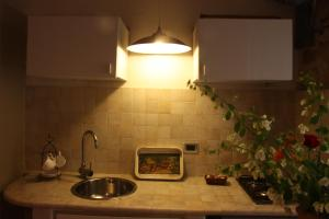 B&B Gildo Trani, Bed and Breakfasts  Trani - big - 34