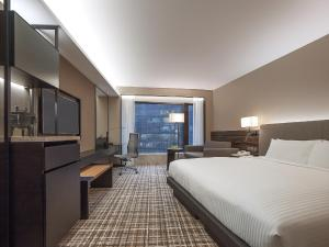Deluxe King or Twin Room with City View