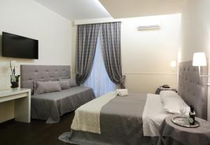 Caesar Place - abcRoma.com
