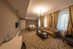 Business club hotel RAZUMOVSKY, Szállodák  Omszk - big - 44