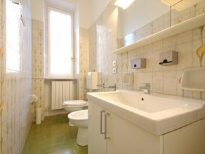 Friendly Rentals Nerino, Apartments  Milan - big - 3