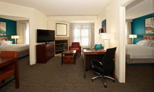 Residence Inn Phoenix Airport, Hotely  Phoenix - big - 5