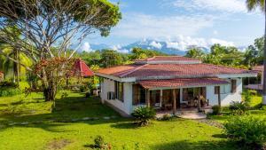 Tres Amigos Island Villas Parrita