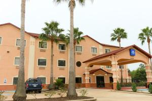 """Americas Best Value Inn and Suites Houston FM 1960"""