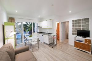 Apartamentos Adjovimar, Üdülőközpontok  Los Llanos de Aridane - big - 20