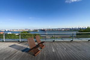 Deluxe-dobbeltværelse med balkon og udsigt over havnen