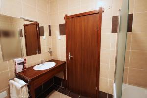 Hotel Lug, Hotel  Bilje - big - 14