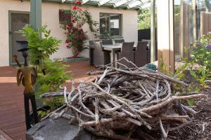 Luxury, Water views & Beach 100m - The Beach Nest