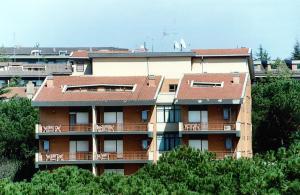 Eur Nir Residence