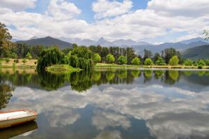 Lake Naverone Holiday Cottages, Rezorty  Drakensberg Garden - big - 61