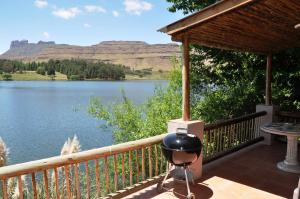 Lake Naverone Holiday Cottages, Rezorty  Drakensberg Garden - big - 48