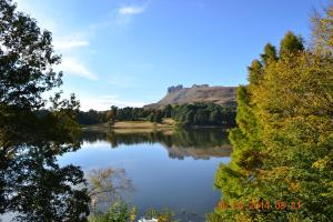 Lake Naverone Holiday Cottages, Rezorty  Drakensberg Garden - big - 76