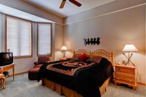 Meadows Condos at EagleRidge by Wyndham Vacation Rentals, Апарт-отели  Стимбот-Спрингс - big - 78