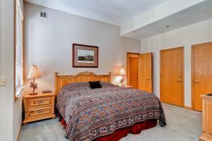 Meadows Condos at EagleRidge by Wyndham Vacation Rentals, Апарт-отели  Стимбот-Спрингс - big - 80