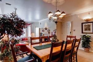 Meadows Condos at EagleRidge by Wyndham Vacation Rentals, Апарт-отели  Стимбот-Спрингс - big - 50