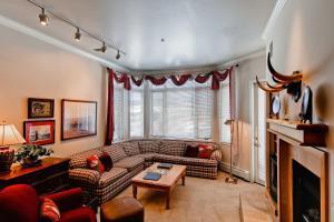 Meadows Condos at EagleRidge by Wyndham Vacation Rentals, Апарт-отели  Стимбот-Спрингс - big - 52